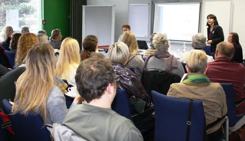 Prof. Dr. Christine Graebsch: Vortrag zum Aufenthalts- und Bleiberecht