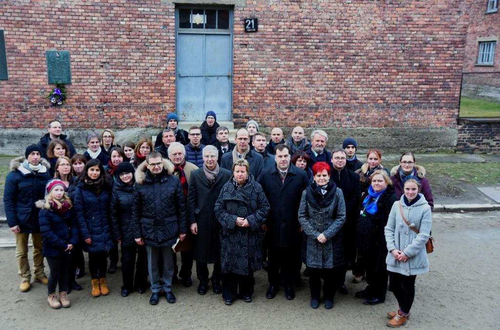 IBB nach Reise mit Bildungspolitikern nach Auschwitz: Fahrten nach Polen intensivieren