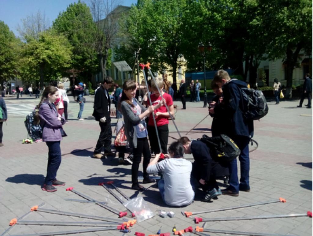 Open-Air-Solar-Hackathon  am Tschernobyl-Jahrestag in der Ukraine