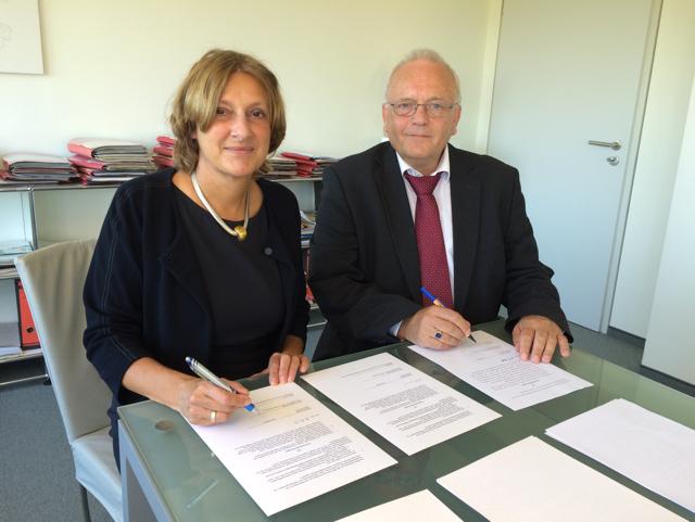"""Kooperationsvertrag mit Schleswig-Holstein unterzeichnet: """"Gedenkstätten müssen Lernorte sein"""""""