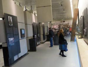 Belzec: Blick in die Ausstellung