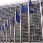 Fahnen vor der EU Kommission_Foto Amio Cajander