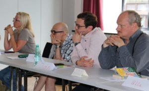 Aufmerksam verfolgten die Teilnehmerinnen und Teilnehmer die Erfahrungsberichte der Referenten.