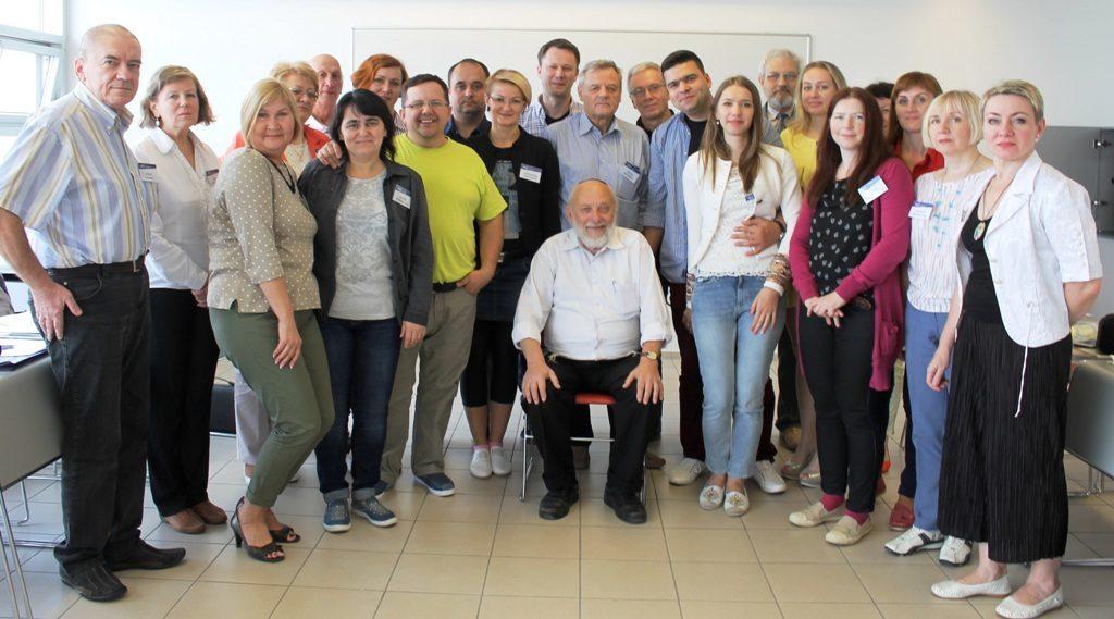 """Delegation der Geschichtswerkstatt """"Leonid Lewin"""" Minsk knüpft interessante Kontakte in der Gedenkstätte Yad Vashem"""