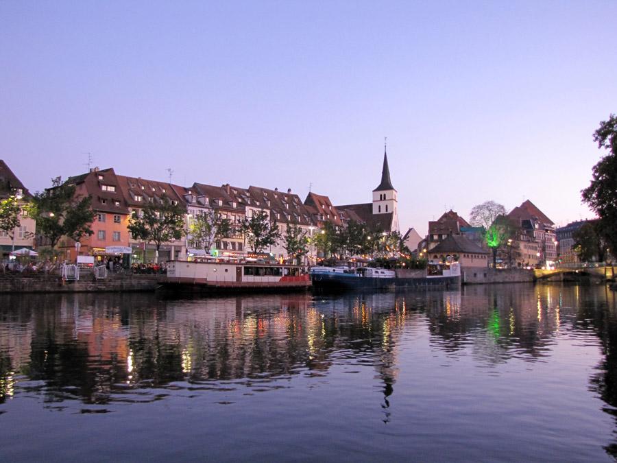 Grenzen überwinden bei der Studienfahrt nach Straßburg: Mit der Straßenbahn über den Rhein