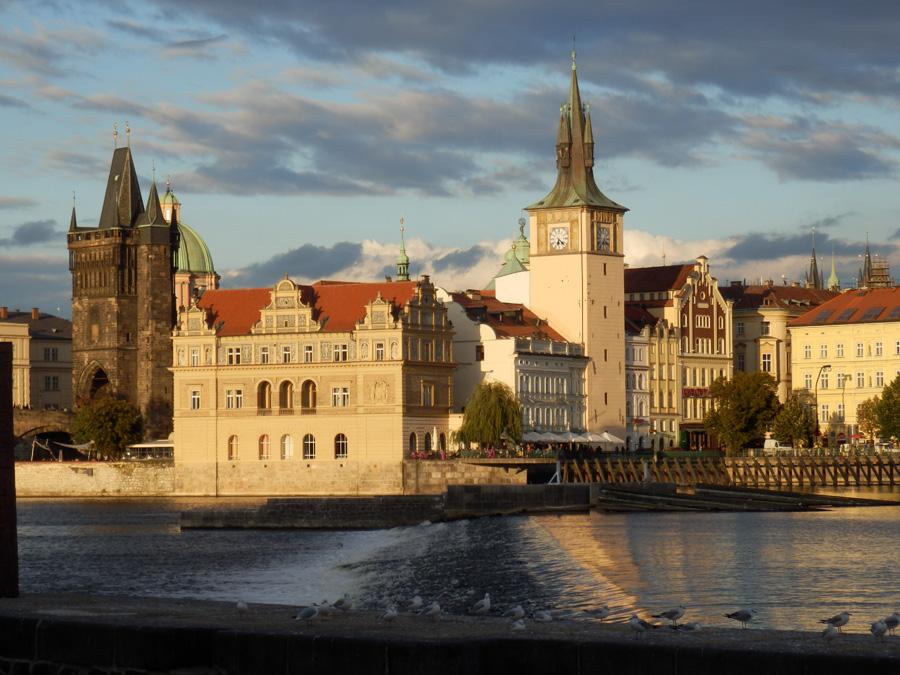 """Brückentag in Prag: Studienfahrt in die Goldene Stadt führt zu Schauplätzen des """"Prager Frühlings"""""""