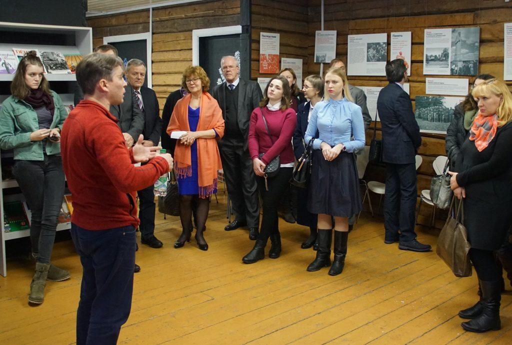 """Ausstellung """"Different Wars"""" in der Geschichtswerkstatt """"Leonid Lewin"""" eröffnet"""