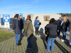 Lehrergruppe unterwegs in Majdanek