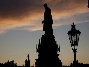 Statue auf de Karlsbrücke