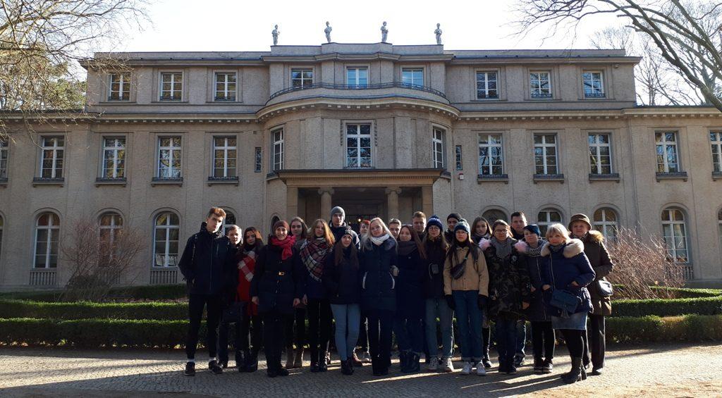 Bildungsreise nach Berlin vermittelt Jugendlichen aus Belarus interessante Einblicke in die Erinnerungskultur in Deutschland