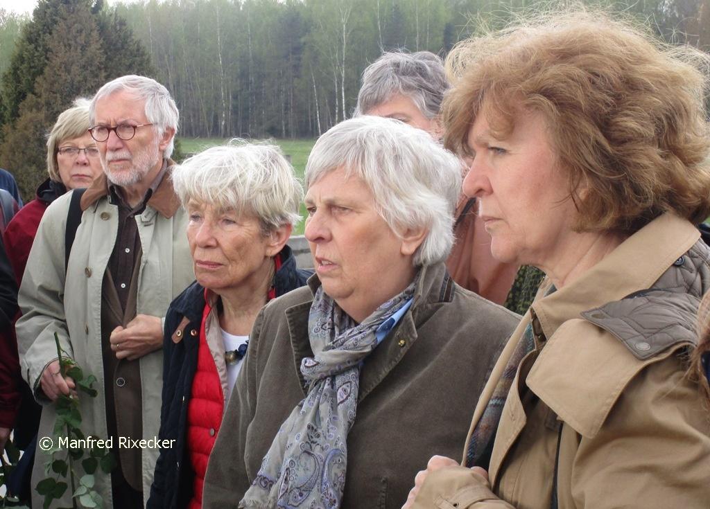 Unser Foto zeigt Dagmar van Emmerich, zuletzt Ehrenvorsitzende der Tschernobyl-Kinderhilfe e.V. Mülheim, bei einem Besuch in Chatyn.