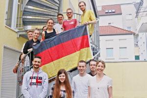 Teilnehmende am 17. Jugendgipfel beim Vorbereitungstreffen.