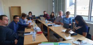 In gemeinsamer Runde fassten die an der Lernaktivität teilnehmenden Fachkräfte aus fünf Ländern ihre Eindrücke und Erkenntnisse zusammen.