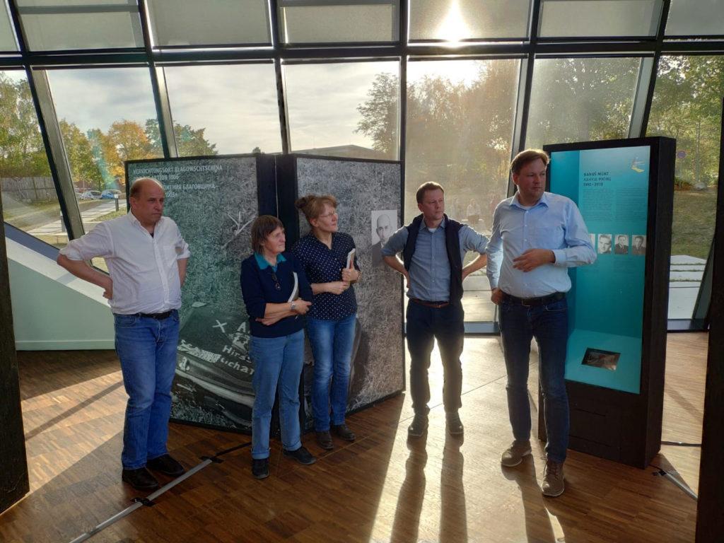 """Wanderausstellung """"Vernichtungsort Malyj Trostenez. Geschichte und Erinnerung"""" in Lüneburg eröffnet"""