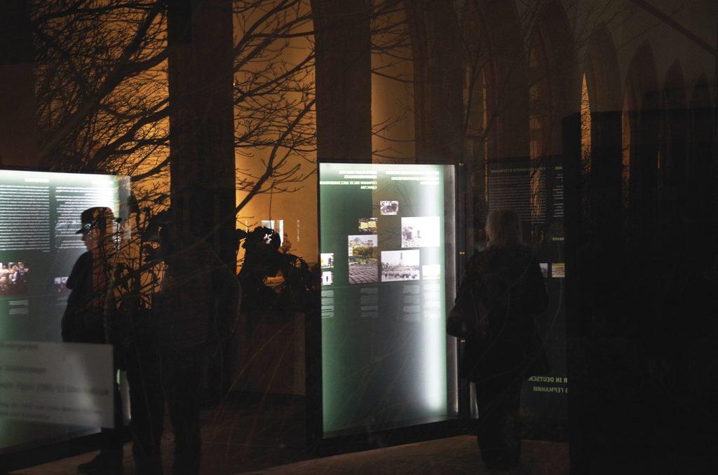 """Ausstellung """"Vernichtungsort Malyj Trostenez. Geschichte und Erinnerung"""" zum internationalen Holocaust-Gedenktag in Frankfurt eröffnet"""