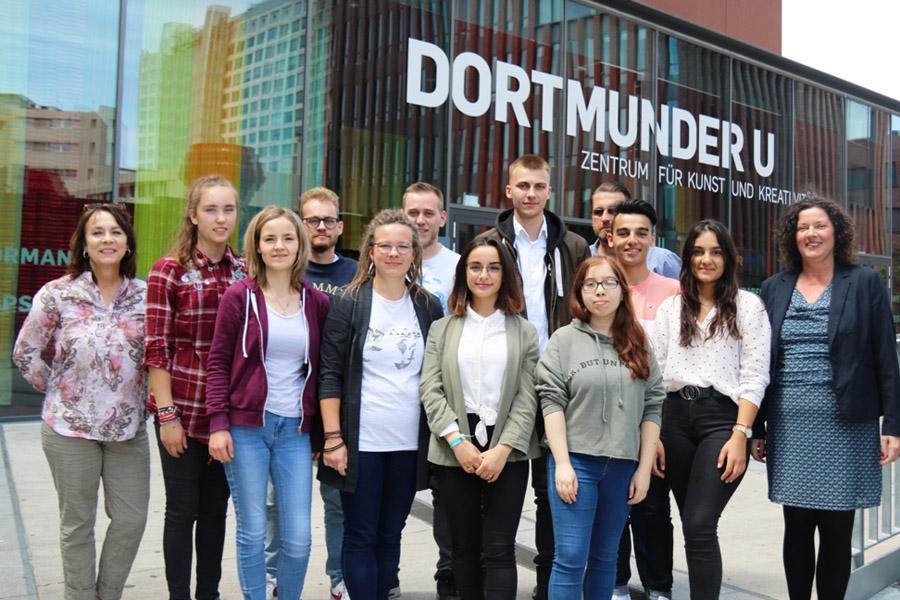 Vor dem 18. Jugendgipfel im Regionalen Weimarer Dreieck in Duisburg: NRW-JugendIiche trafen sich Dortmund